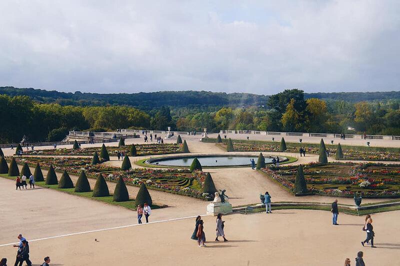 十分廣大的凡爾賽宮腹地,漂亮的花園。