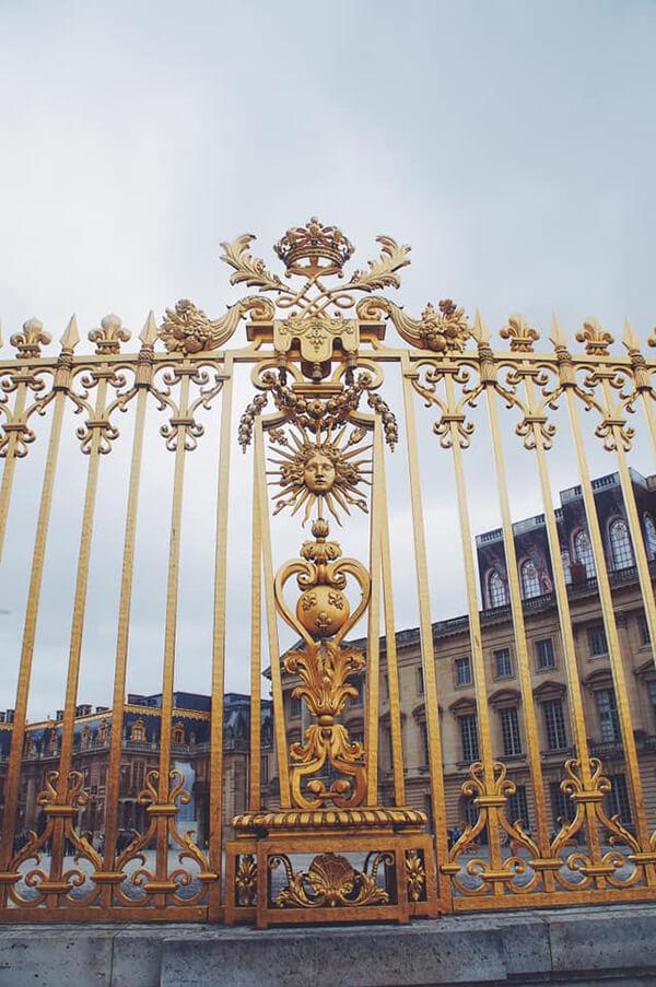 法王路易14自稱太陽王