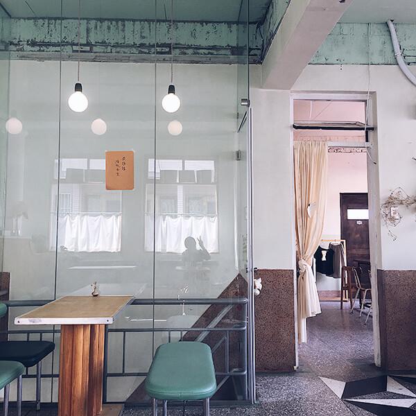 台南沼澤marsh店內空間,粉綠色