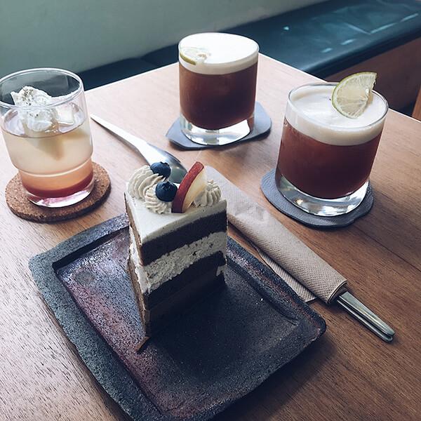 調整過色差後的水蜜桃日酒凍與紅茶蛋糕!