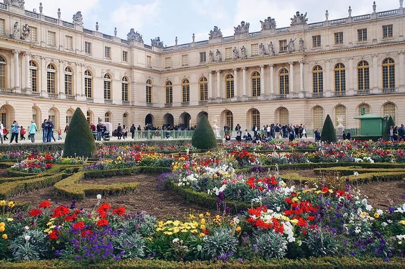 凡爾賽宮外立面,義大利古典主義風格。