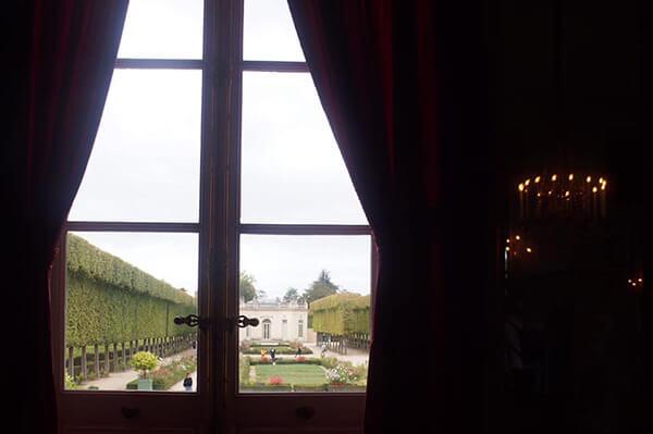 從二樓往後花園望去的樣子。