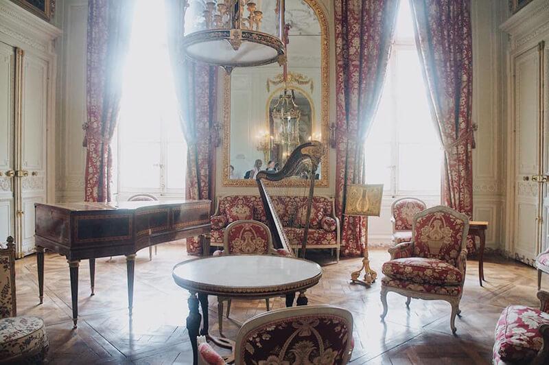 小皇后宮,二樓紅金色房間
