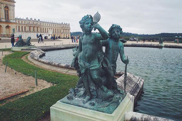 凡爾賽宮小天使噴泉雕像