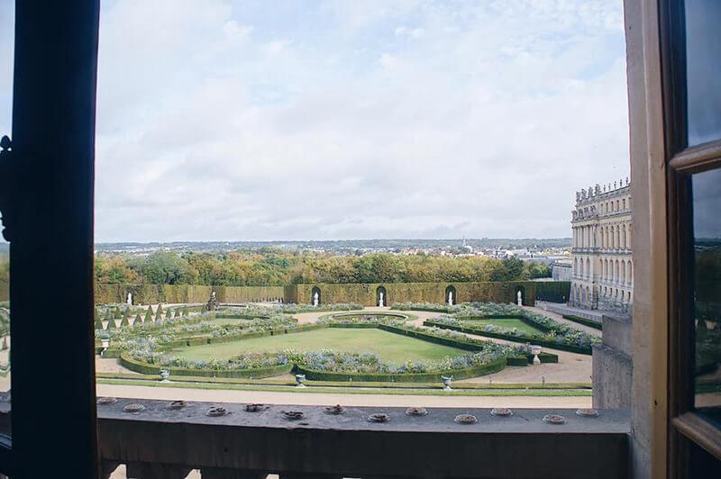 凡爾賽宮 窗外的美麗庭園花園!