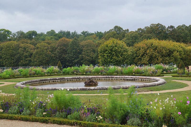 大特里亞農宮中庭,美麗的英式花園。
