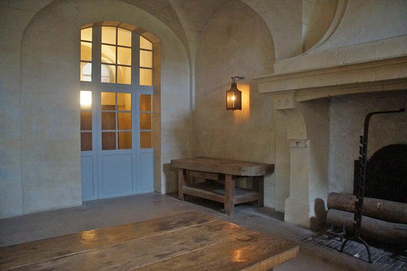 一樓簡單到極致的房間,有點像廚房。