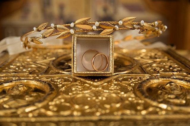 金飾的買賣價差其實很大,是黃金投資上最虧的一種。