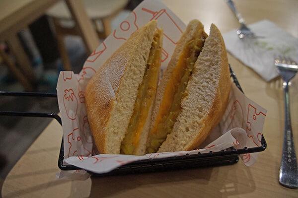 肉球森林餐點巧巴達三明治,蘋果肉桂口味,