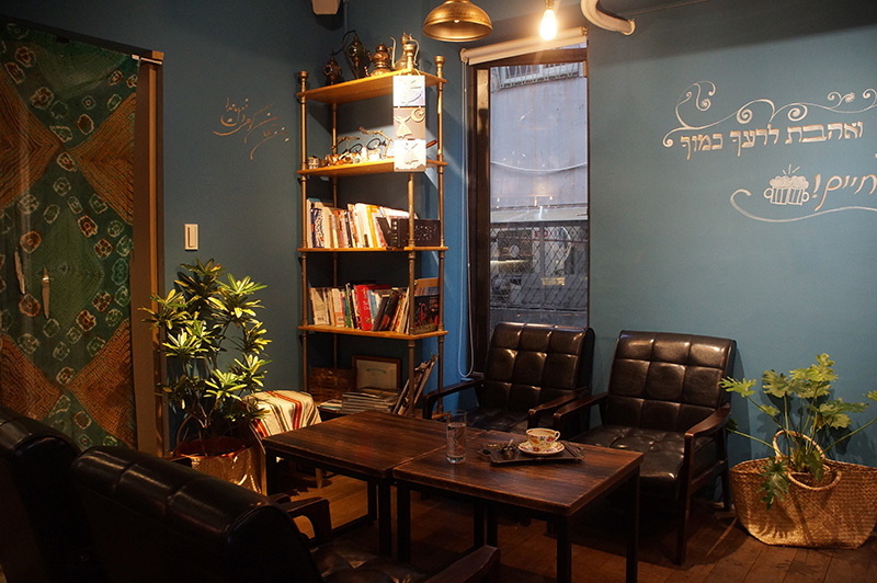 書櫃是咖啡廳的靈魂