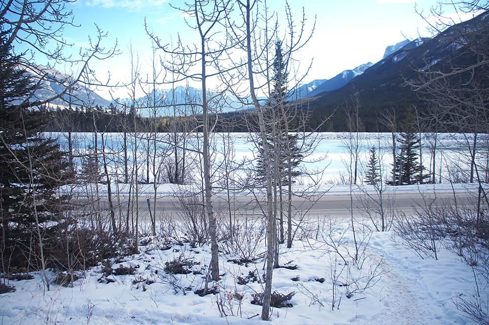 停車場的風景,看出去也很漂亮,應該也是一個大湖。