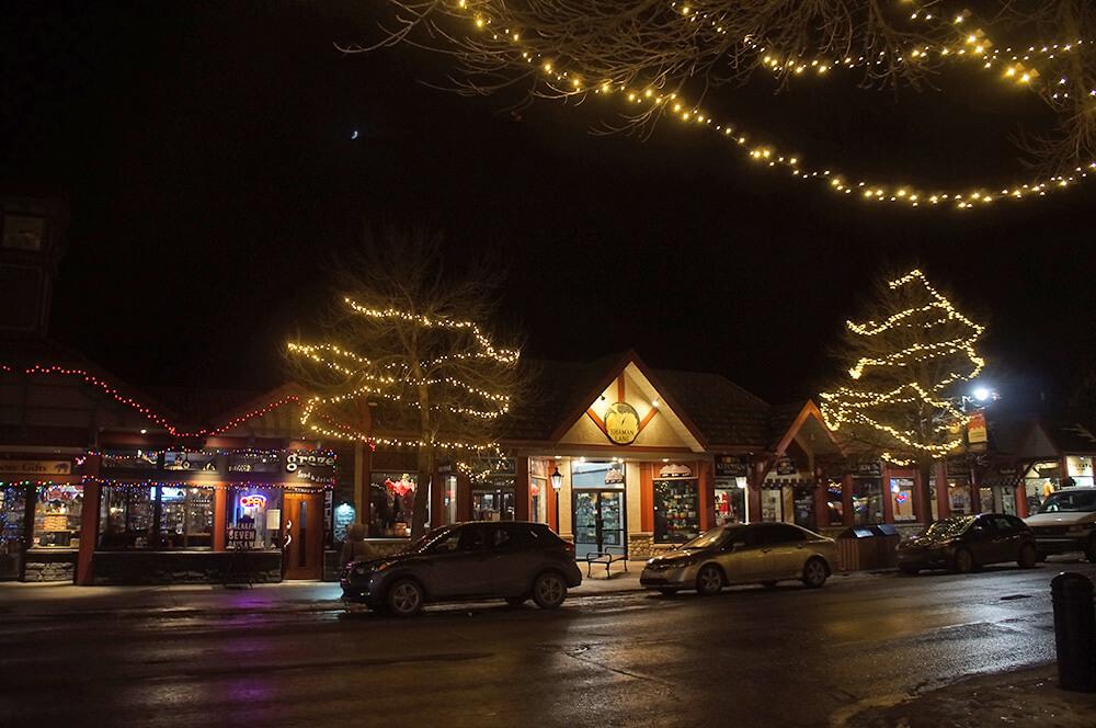 12月的 Canmore小鎮,是我們最後一次的落磯山脈之旅