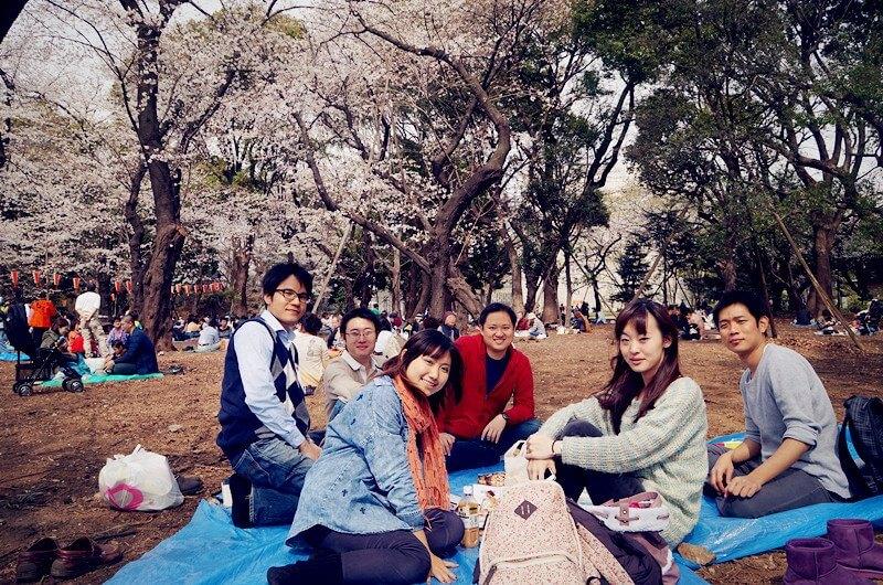 櫻花早開的雀躍,融入日本的野餐旅行(2013,東京上野公園)