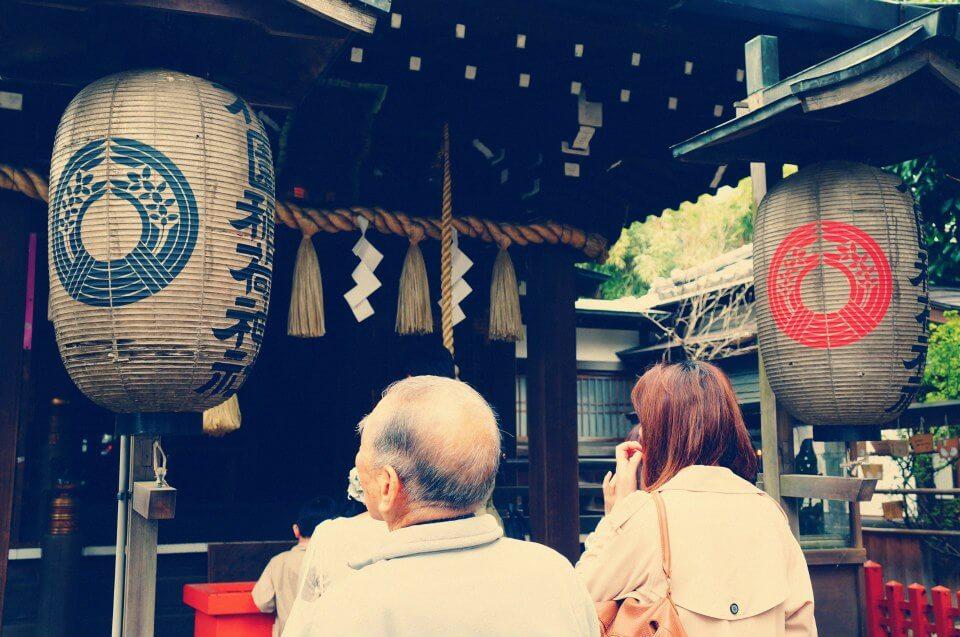 日本上野公園中的花園稻荷神社,我也趁機在這裡許下自己的心願。