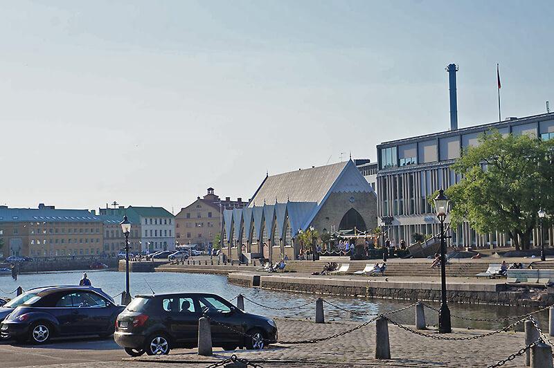 瑞典港邊的魚教堂!