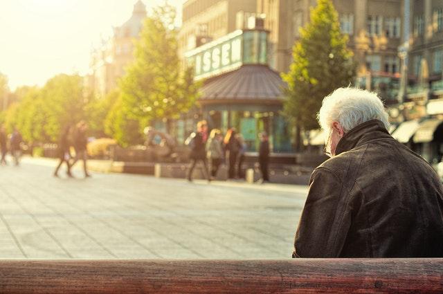 退休投資人,建議採取謹慎的防守狀態來投資喔!