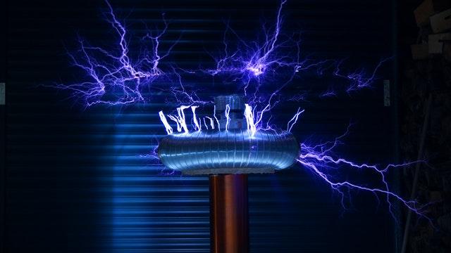 除了自駕技術,能源科技發展,也是特斯拉的一大重點。