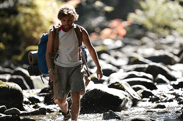 電影「阿拉斯加之死」,劇中主角反思物質社會意義,決心前往阿拉斯加荒野,挑戰自立生活。