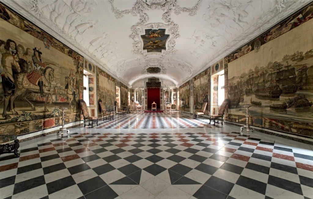 羅森堡內部大廳。