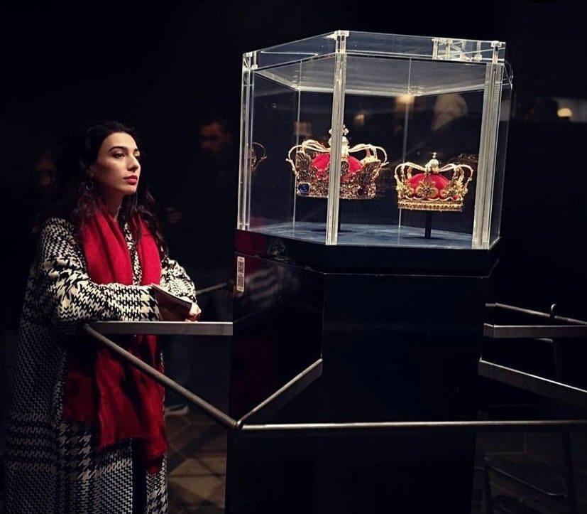 羅森堡(Rosenborg)地下室的貴重珍藏,國王與皇后的皇冠。